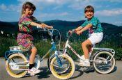 Baden-Württemberg: Kinder beim Radfahren im Schwarzwald - © Walter Storto/DZT