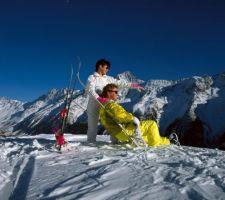 Bayern: Skifahrer in den Alpen - © Hans Peter Merten/DZT