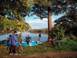 Brandenburg: Ruppiner Land, Radfahrer am See - © Brandenburg TMB