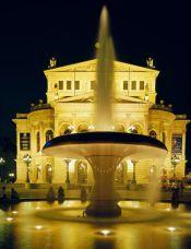 Hessen: Frankfurt am Main, Alte Oper - © Norbert Krüger/DZT