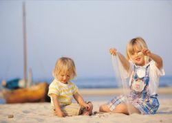 Mecklenburg-Vorpommern: Kinder am Strand, Insel Rügen, Ostsee - © Topel Kommunikation GmbH