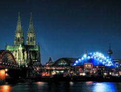 Nordrhein-Westfalen: Kölner Dom und Musical Dome Köln  - © Musical Dome Köln