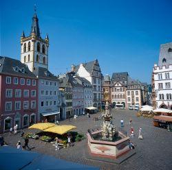 Rheinland-Pfalz: Hauptmarkt in Trier - © Walter Storto/DZT