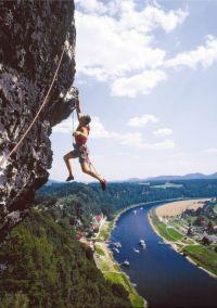 Sachsen: Kliffhänger bei Bad Schandau - © Tourismusverband Sächsische Schweiz