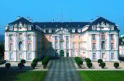 Schlösser Augustusburg und Falkenlust Brühl Welterbestätte Deutschland Ausflugsziele Freizeit Urlaub Reisen